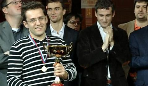 Αρονιάν, Παγκόσμιος Πρωταθλητής Μπλιτς 2010